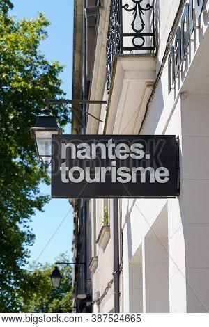 Nantes , Loire Atlantique / France - 09 20 2020 : Nantes Tourisme Text Sign And Logo For French Offi