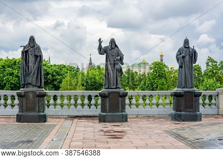 Statues Of Russian Patriarchs At Christ The Savior Cathedral, Moscow, Russia - August 2020