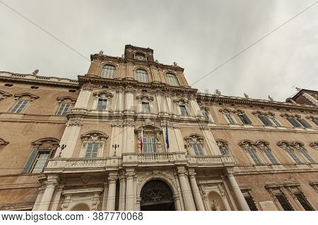 Palazzo Ducale In Modena, Italy 8