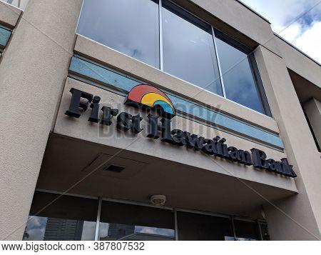 Honolulu - September 28, 2018:  First Hawaiian Bank Logo Over Entrance To Building In Honolulu, Hawa