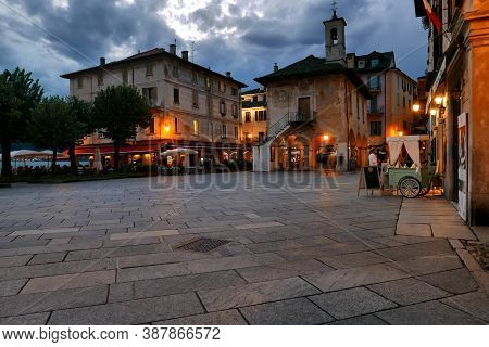 Orta, Italy - August 17, 2020: People In The Streets Of The Old Town During Covid19 Restrictions