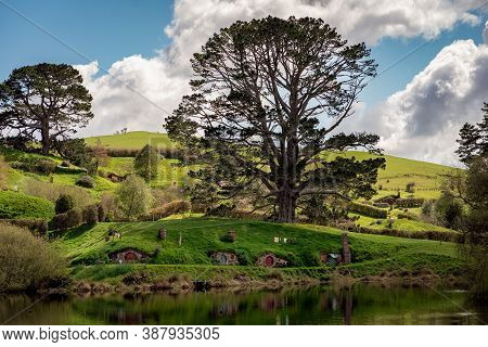 Hobitton Village Where Lord Of The Rings And The Hobbit Where Filmed. September 2020, Matamata, New