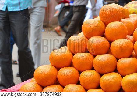 The Oranges With A Juicy Look & Dark Orange Color