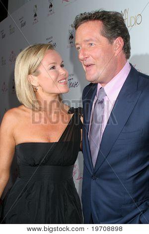 LOS ANGELES - AUG 10:  Amanda Holden & Piers Morgan arrives at the Paris Hilton's
