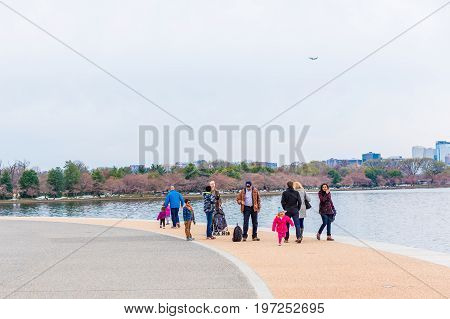 Washington Dc, Usa - March 17, 2017: Many People Walking Around Thomas Jefferson Memorial During Che