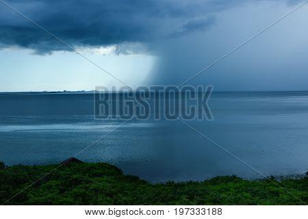 Rain storm moving into Tampa Bay Florida