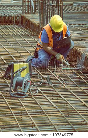 Welding Angled Rebar For Concrete Reinforcing 4