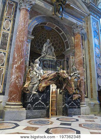 19.06.2017 Vatican City Rome: Saint Paul's Cathedral interior