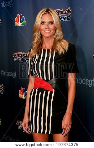 NEW YORK-AUG 26: Model Heidi Klum attends the 'America's Got Talent' Season 10 Results Show at Radio City Music Hall on August 26, 2015 in New York City.
