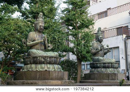 Nisonbutsu Buddha Statue