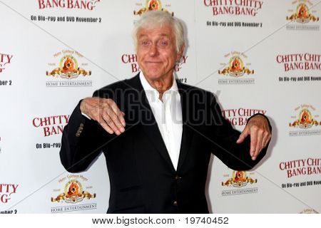 LOS ANGELES - OCT 30:  Dick Van Dyke arrives at the Chitty Chitty Bang Bang LA Screening at Pacific Theaters at The Grove on October 30, 2010 in Los Angeles, CA
