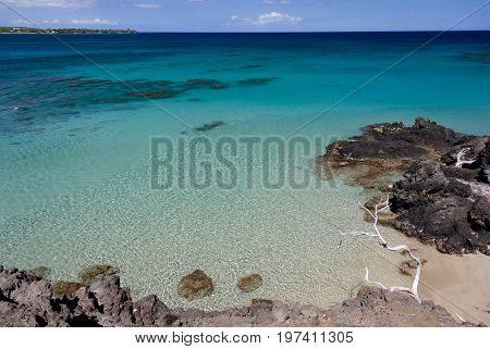 Little  Beautiful Bay  Hiding Between Waialea And Hapuna