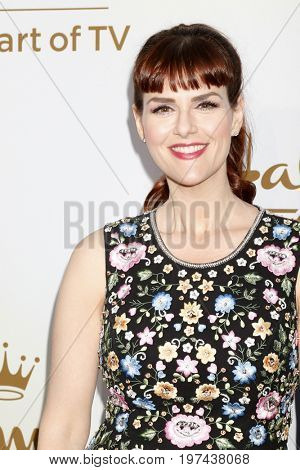 LOS ANGELES - JUL 27:  Sara Rue at the Hallmark TCA Summer 2017 Party at the Private Residence on July 27, 2017 in Beverly Hills, CA