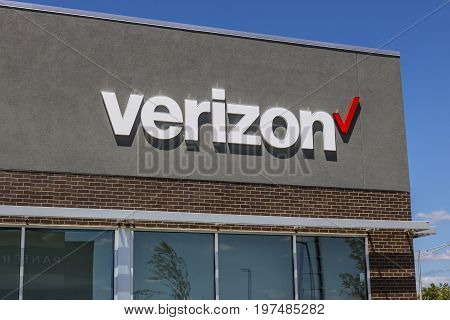 Indianapolis - Circa July 2017: Verizon Wireless Retail Location. Verizon is the largest U.S. wireless communications service provider XX