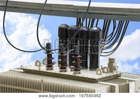 High voltage transformer with electrical insulation and electrical equipment.