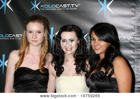 LOS ANGELES - DEC 14:  Madison Beaty, Jillian Clare, Christine de Leon attend the