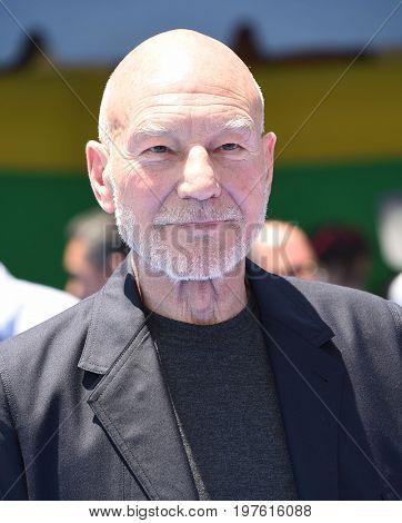 LOS ANGELES - JUL 23:  Patrick Stewart arrives for the