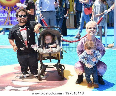 LOS ANGELES - JUL 23:  Terra Jole, Joe Gnoffo, Penelope Gnoffo and Grayson Gnoffo arrives for the