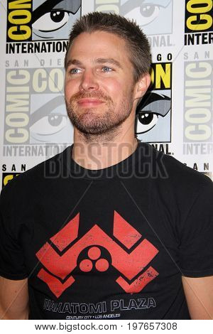 SAN DIEGO - July 22:  Stephen Amell at Comic-Con Saturday 2017 at the Comic-Con International Convention on July 22, 2017 in San Diego, CA
