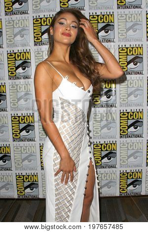 SAN DIEGO - July 21:  Lindsey Morgan at Comic-Con Friday 2017 at the Comic-Con International Convention on July 21, 2017 in San Diego, CA
