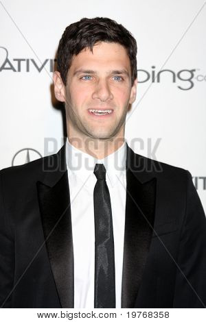 LOS ANGELES - JAN 15:  Justin Bartha arrives at the Art Of Elysium 'Heaven' Gala 2011 at The California Science Center Exposition Park  on January 15, 2011 in Los Angeles, CA
