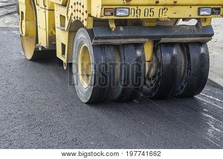 Pneumatic Tyred Roller Compacting Asphalt