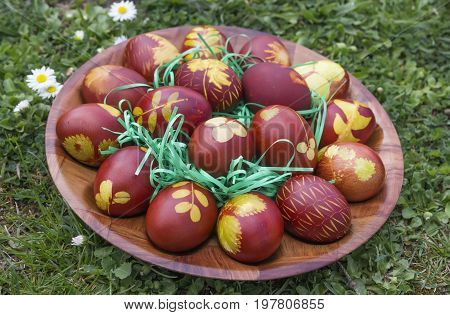 Natural Dyed Easter Eggs Colored With Onion Skins 2