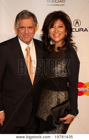 LOS ANGELES - FEB 11:  Les Moonves, Julie Chen arrives at the Muiscares Gala Honoring Barbra Streisand at Convention Center on February 11, 2011 in Los Angeles, CA