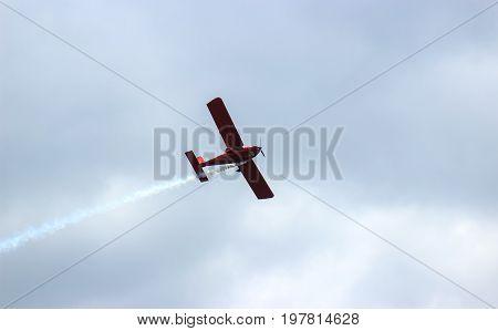 danger between aircraft during flight aviation accident