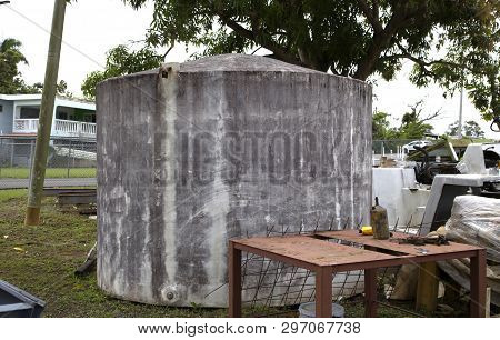 Cerro Gordo, Bayamon/puerto Rico - February 26, 2019: Large Cement Water Tank Used To Store Water.