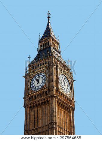 Big Ben (elizabeth Tower) In London