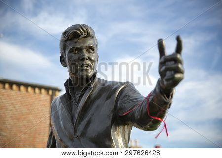 The Billy Fury Statue And Memorial, Albert Dock, River Mersey, Liverpool, Uk. 11th June 2014