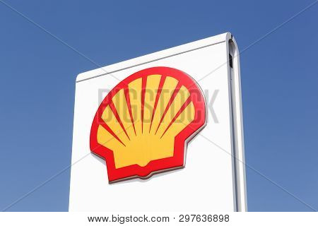 Kamen, Germany - July 22, 2018: Shell Logo On A Gas Station. Shell Is An Anglo-dutch Multinational O