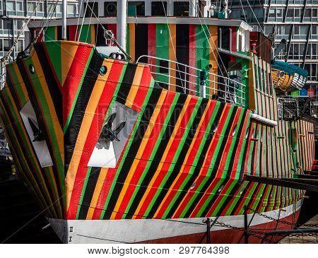 Stripes On Edmund Gardner