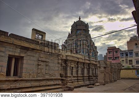 Madurai, India - November 02, 2018: A Hindu Place Of Worship. Interior Of Arulmigu Madana Gopala Saw