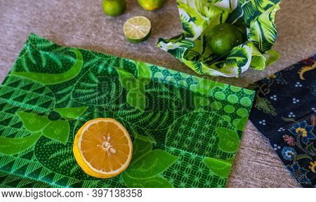 Wrapped Lemon In Environmentally Safe Beeswax Wrap. Reusable Eco-friendly Kitchen Products. Zero Was