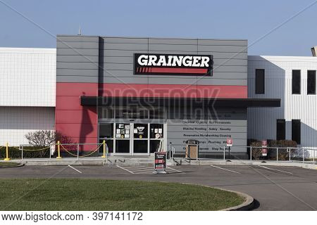 Blue Ash - Circa November 2020: Grainger Industrial Supply Warehouse. Ww Grainger Is A Hardware And