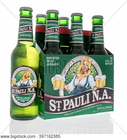Winneconne, Wi -26 November 2020:  A Six Pack Of St. Paul Non Alcoholic Beer On An Isolated Backgrou