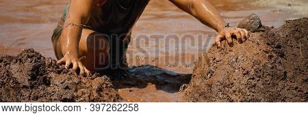 Mud Race Runners, Obstacles During Extreme Obstacle Race