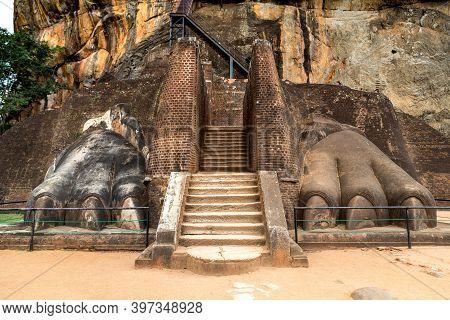 The Lions Paw Rock Entrance At Sigiriya Rock Fortress At Lion Rock In Sigiriya In A Sunny Day, Sri L