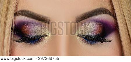 Make Up Eyes. Eye Makeup. Beautiful Eyes Glitter Make-up. Holiday Makeup Detail. False Lashes