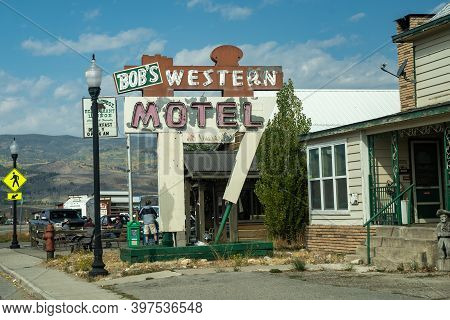 Kremmling, Colorado - September 20, 2020: Sign For Bobs Western Motel, A Small Hotel With A Vintage