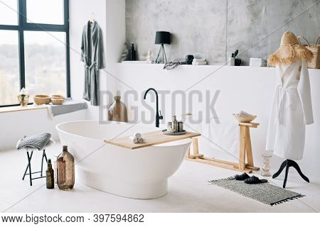 White Modern Bath In Contemporary Apartment With Stylish Loft Style Interior Design, Home Decor. Sof