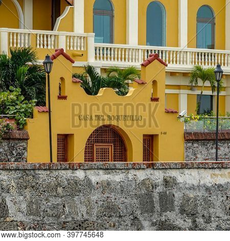 Cartagena, Columbia - November 5, 2019: A View Of An Apartment Building Behind The Wall That Surroun