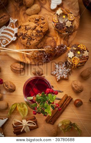 Hot wine punch with cinnamon and cranberry