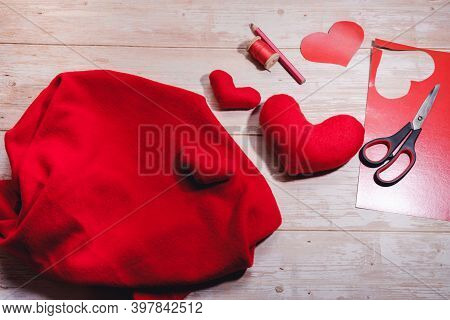 Step By Step Instruction. Diy Concept. Handmade Red Toy Heart Made From Fleece Fabric. Step 9. The R