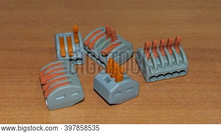 Electrical Connector Block Type Of Push Lever For Connect And Extend Cables, Used Inside Junction Bo