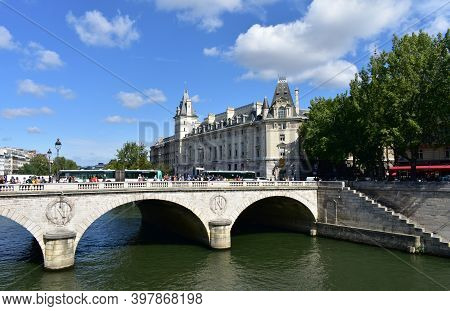 Paris, France. August 14, 2019. Pont Saint-michel And Palais De Justice, View From Place Saint-miche