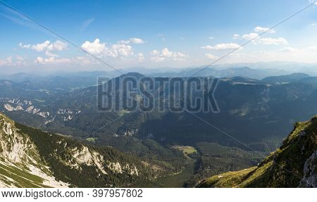 Wonderful View Of Otscher Valley And The Surrounding Mountains At Daily Light. Mount Otscher Is A Pr