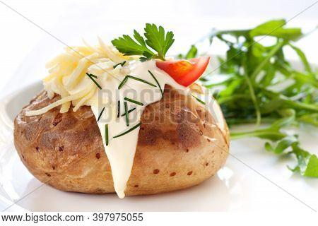 Baked Potatoes With Bacon, Cheese, Sour Cream And Onions